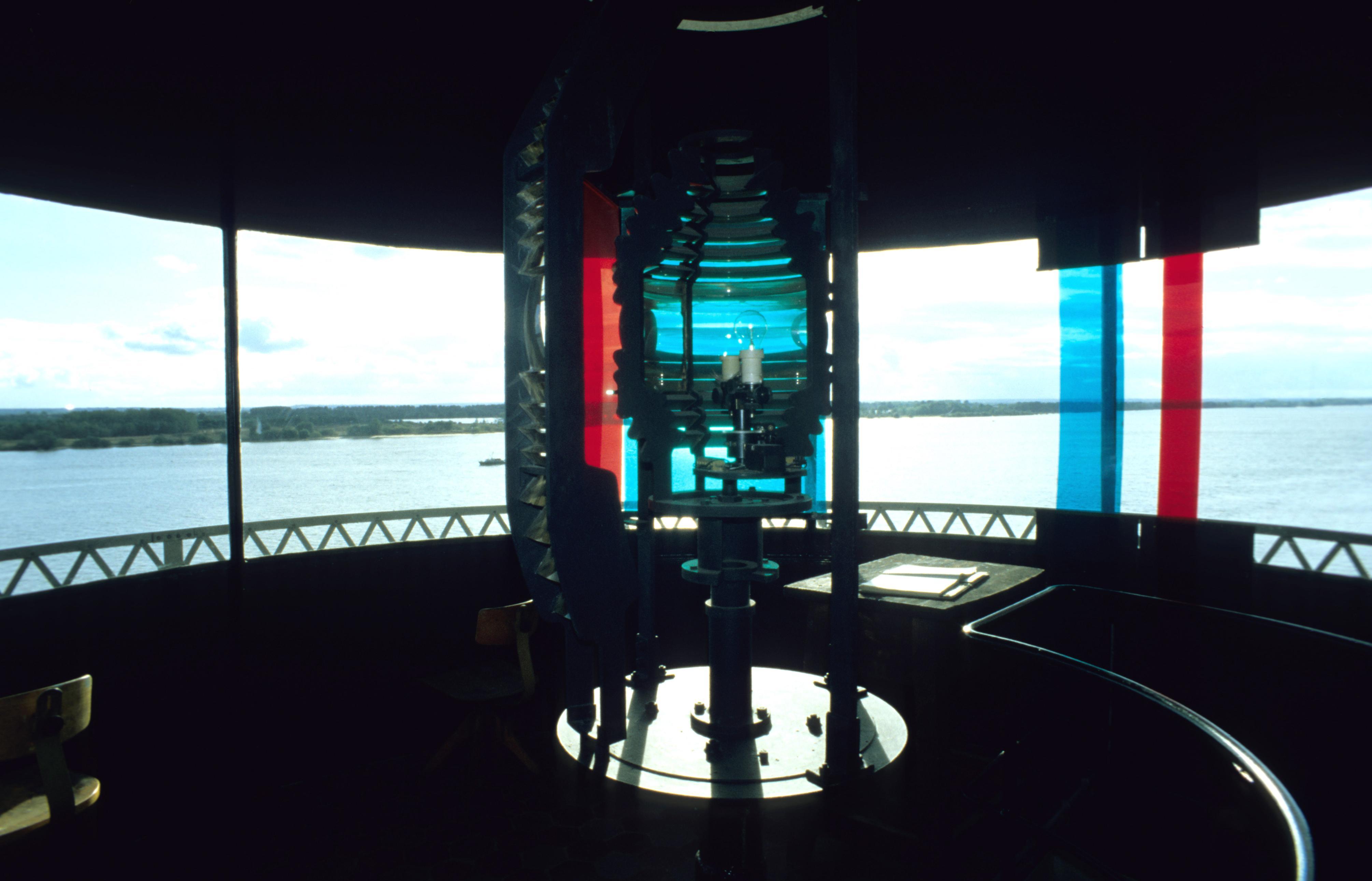 Leuchtturm Alte Weser, Blick durch die Laterne mit Optik